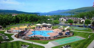 Holiday Inn Lake George Turf - Lake George - Svømmebasseng