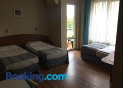 Hotel Lazuren Briag - Burgas - Sypialnia