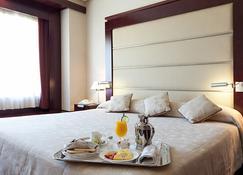 Hotel Andalucia Center - Granada - Habitación