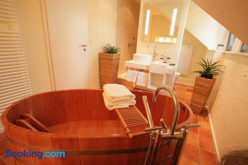 Vinotel Augustin - Kitzingen - Bathroom