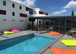 Kyriad Direct La Rochelle Sud Aytré - Aytré - Pool