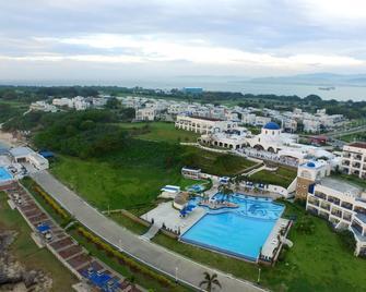 Thunderbird Resorts - Poro Point - San Fernando - Pool