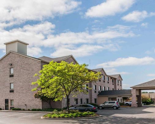Comfort Inn Avon - North Indianapolis - Avon - Building