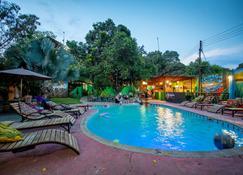 Victoria Falls Backpackers Zambia - Livingstone - Havuz