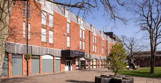 St James Hotel - Grimsby
