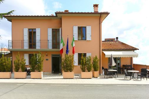 Il Monte - Monte San Savino - Building