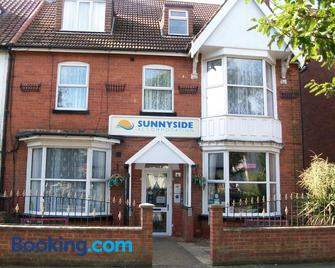 Sunnyside Accommodation - Skegness - Building