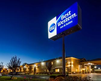 Best Western Inn & Suites - Ontario - Building