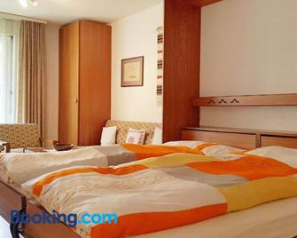 Castor I Tasch - Таш - Bedroom