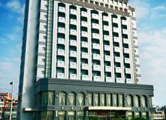 Yaling Hotel - Magong City - Toà nhà