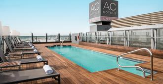 AC Hotel Alicante by Marriott - Alicante - Bể bơi