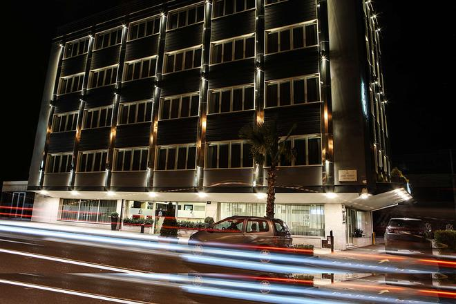 Best Western JFK Hotel - Naples - Building