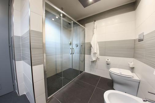 Best Western JFK Hotel - Naples - Phòng tắm