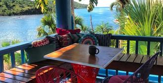 Olga's Fancy - Saint Thomas Island - Balcón