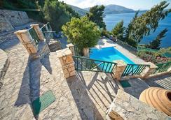 Villas Cavo Marathia - Zakynthos - Bể bơi