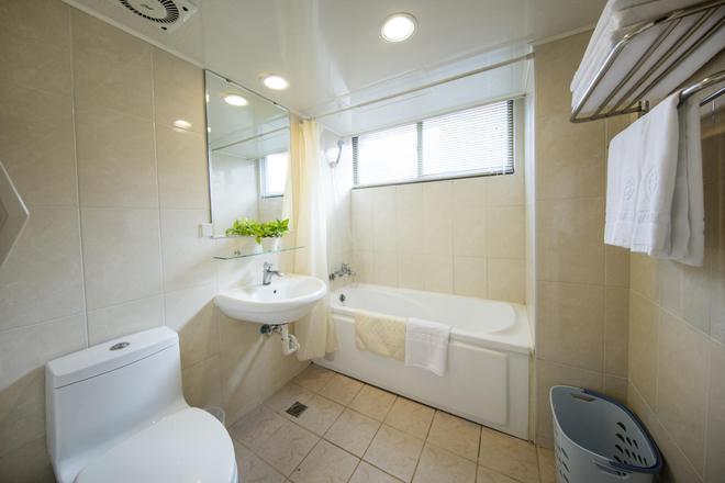 Ful Won Hotel - Taichung - Bathroom