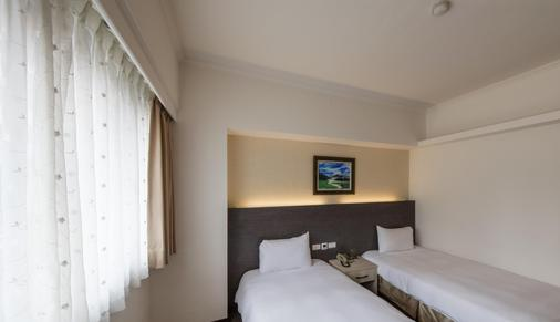 Ful Won Hotel - Taichung - Schlafzimmer