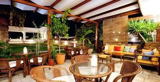 Aeolos Bay Hotel - Tinos - Innenhof