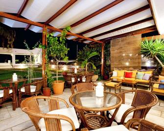 Aeolos Bay Hotel - Tinos - Патіо