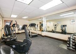 Quality Inn - Edison - Gym