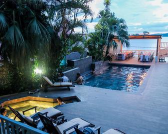 Casona de La Isla 酒店 - 弗羅若斯 - 弗洛雷斯