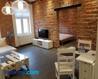 Apartamenty Mlynska 4 - Gliwice - Living room