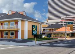 Quality Inn Flamingo - Atlantic City - Gebäude