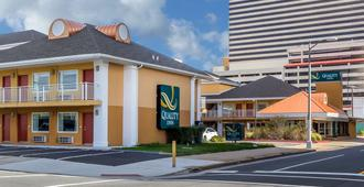 Quality Inn Flamingo - Atlantic City - Building