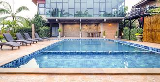 Capital O 727 Be One Resort - Chiang Rai