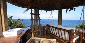 Great Huts - Port Antonio - Balcony