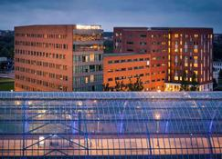 Mercure Hotel Amsterdam Sloterdijk Station - Amsterdam - Building