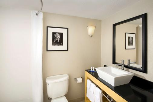 貝斯特韋斯特阿拉莫市區價值酒店 - 聖安東尼奥 - 聖安東尼奧 - 浴室