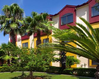 Best Western Alamo Suites - San Antonio - Building