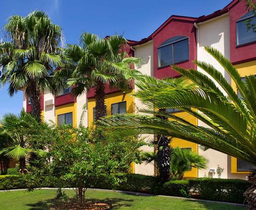 貝斯特韋斯特阿拉莫市區價值酒店 - 聖安東尼奥 - 聖安東尼奧 - 建築
