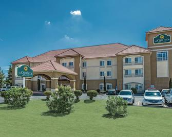 La Quinta Inn & Suites by Wyndham Deming - Deming - Building