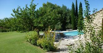 Le Mas Des Busclats - L'Isle-sur-la-Sorgue - Pool