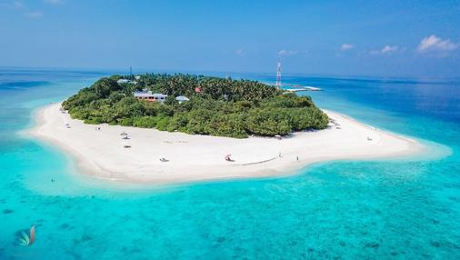 Ostrov Hotel - Ukulhas - Beach