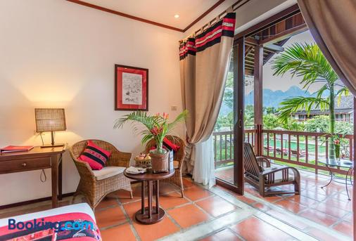 Riverside Boutique Resort, Vang Vieng - Vang Vieng - Living room