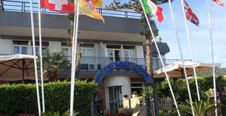 Villa Gaia Hotel - Cefalù - Gebäude