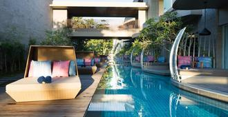 Maya Sanur Resort & Spa - Denpasar - Pool