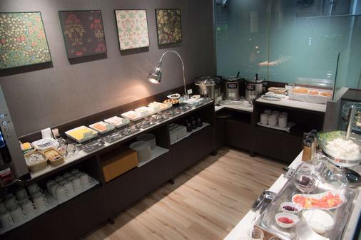 大阪塚本最佳西方酒店 - 大阪 - 自助餐