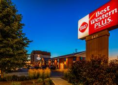 Best Western Plus Waterloo - Waterloo - Building
