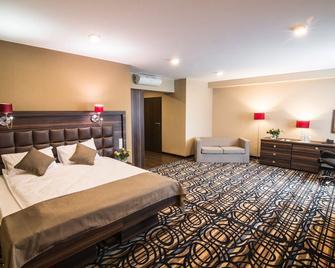 Hotel Atena - Mielec - Slaapkamer