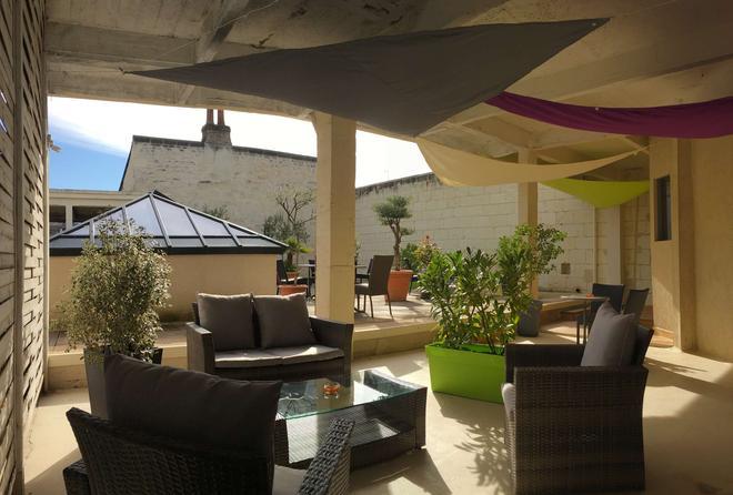Best Western Hotel De France - Chinon - Patio