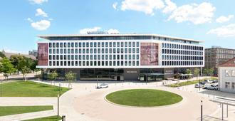 V8 Hotel Motorworld Region Stuttgart - Böblingen - Edificio