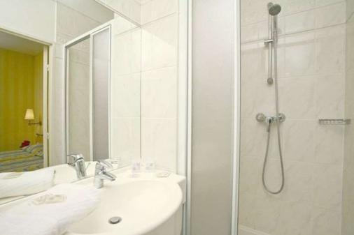 Hôtel Delambre - Paris - Bathroom
