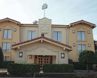 La Quinta Inn by Wyndham Augusta - Augusta - Building