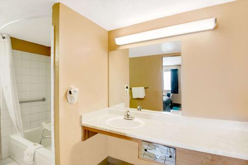 戴斯埃爾帕索機場東 - 埃爾帕索 - 埃爾帕索 - 浴室
