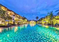 Angkor Palace Suite & Villa - Сием Реап - Бассейн