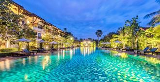 Angkor Palace Suite & Villa - Ciudad de Siem Riep - Piscina